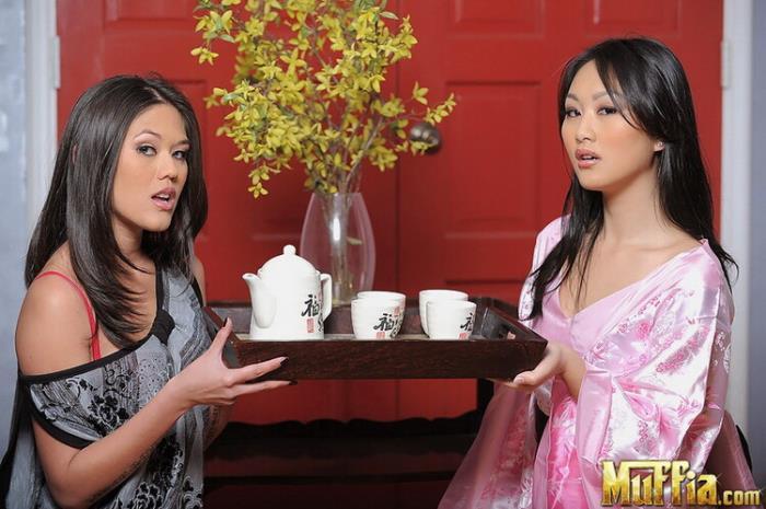 CumFu.com Muffia.com: The raw bar Starring: Evelyn Lin