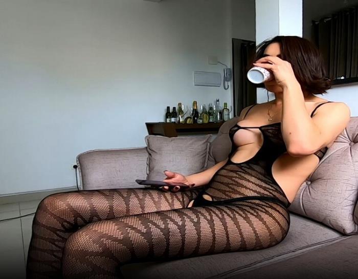 OnlyFans.com: 2020-11-05 Starring: Carla Brasil