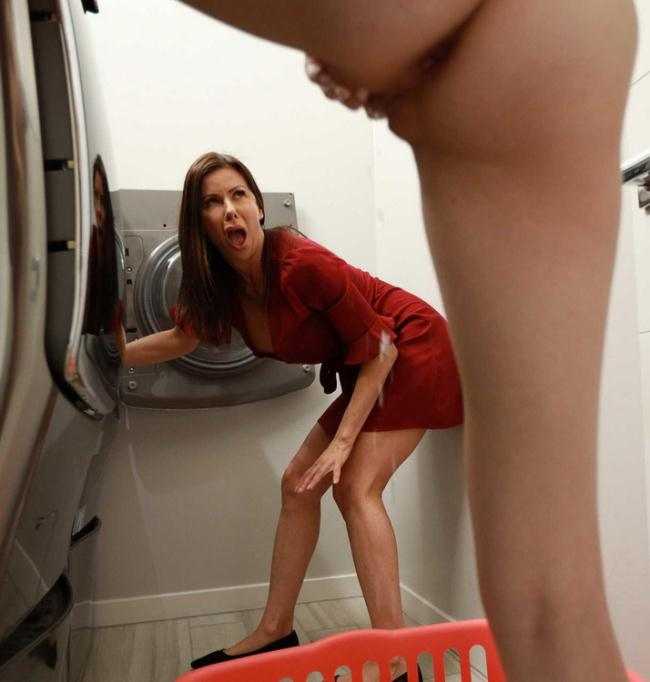 HotAndMean.com Brazzers.com: All In A Day's Squirt Starring: Alexis Fawx