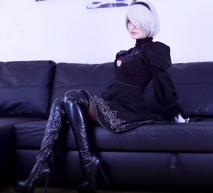 JuneMoore.com ManyVids.com: 2B Chapter 1 - Shiny, Oily Tease Starring: June Moore