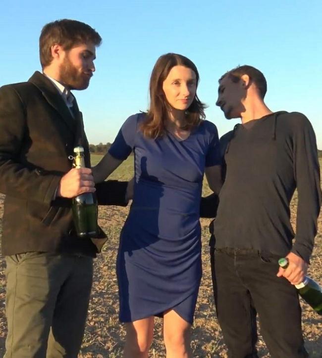 JacquieEtMichelTV.net Indecentes-Voisines.com: Pour Pauline, 28ans, c'est Champagne Starring: Pauline