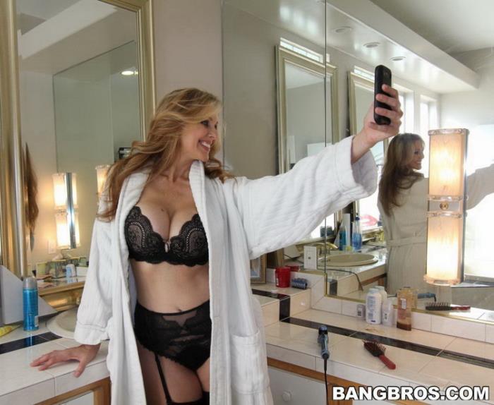 MonstersOfCock.com BangBros.com: Sexy Milf Interracial Fucking Starring: Julia Ann