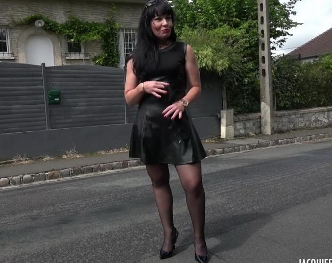 JacquieEtMichelTV.net Indecentes-Voisines.com: Berenice, 39ans, de Quincampoix (76) Starring: Berenice