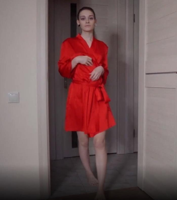 BellenikoHub.com: A Nice Neighbor Showed what she had under her Robe Starring: Belleniko